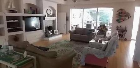 great room with full wifi and smart TV